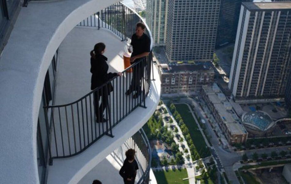 Aqua Tower Condos in Chicago with picket railings