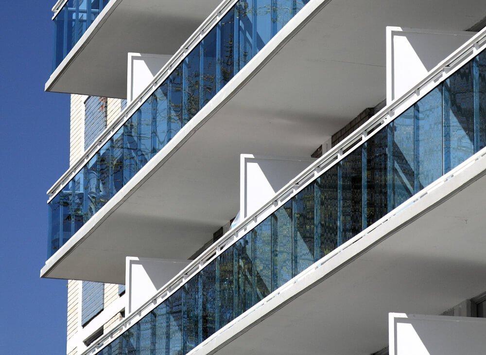 Glass and Aluminum Railing 5